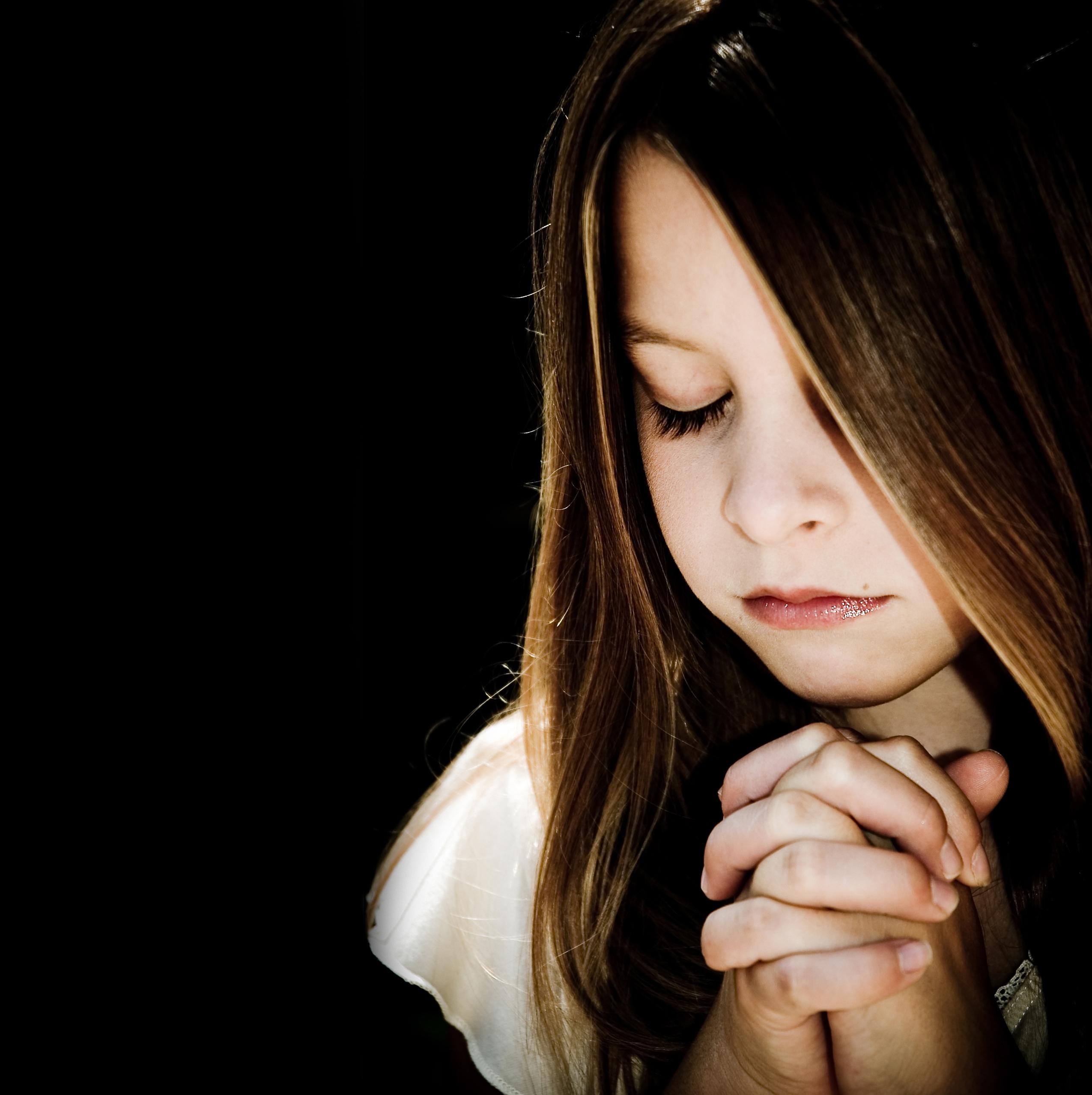 prayer_girl1